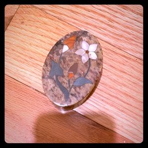 Small soapstone trinket box with mop inlay